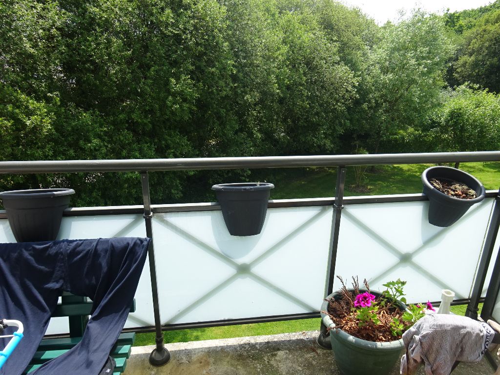 A VENDRE LORIENT KERFICHANT APPARTEMENT T2 de 33m² TERRASSE SUD ET PARKING PRIVE