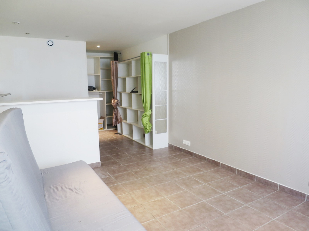 LOCATION  BREST  SAINT MARC  STUDIO  25 M²  QUARTIER CALME