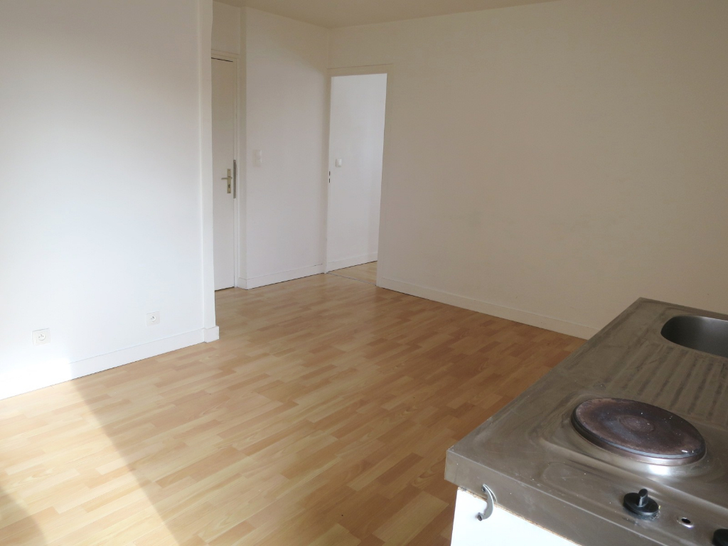 LOCATION  BREST  SAINT MARC  T1 BIS 28.39 M²  QUARTIER CALME