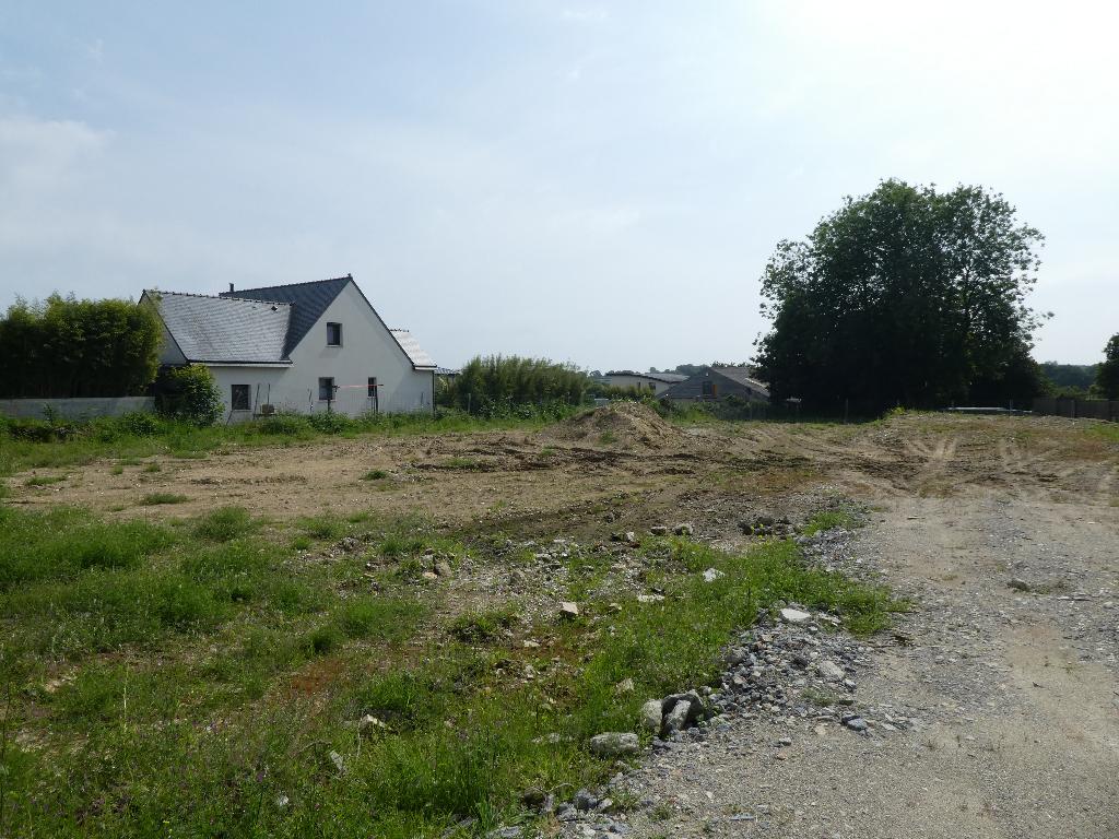 A VENDRE  GOUESNOU  HORS LOTISSEMENT  TERRAIN CONSTRUCTIBLE 824 m2  VIABILISE