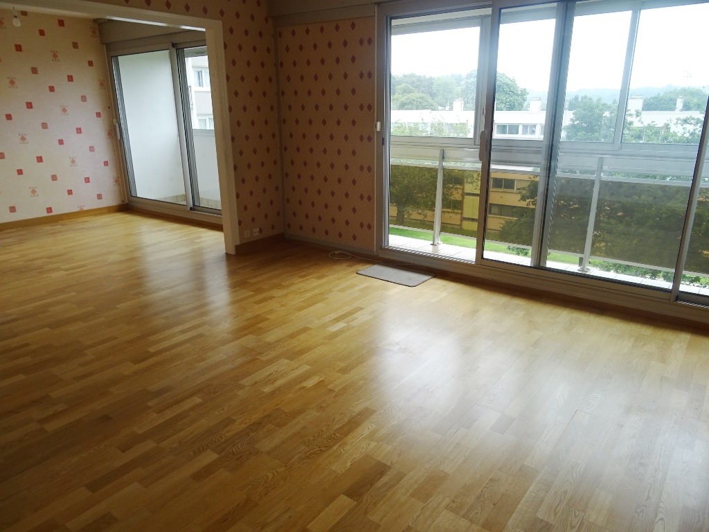 VENDU BREST  RIVE PENFELD  APPARTEMENT T4  81M²  2 CHAMBRES BALCON ASCENSEUR PARKING