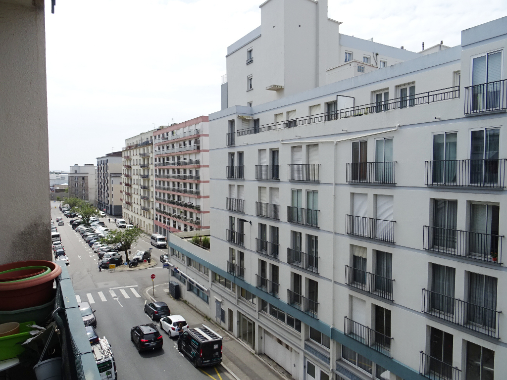 A VENDRE  BREST  LIBERTE BRANDA HYPER CENTRE   APPARTEMENT T5   94.70 M²   ASCENSEUR   CAVE ET PARKING PRIVATIF    BOX FERME
