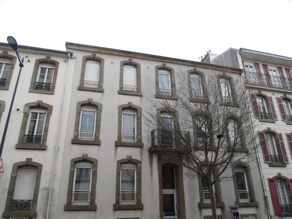 A VENDRE  BREST  SAINT MICHEL  APPARTEMENT T1  18.66M²  PETITE COPROPRIETE REHABILITEE  PROCHE GARE