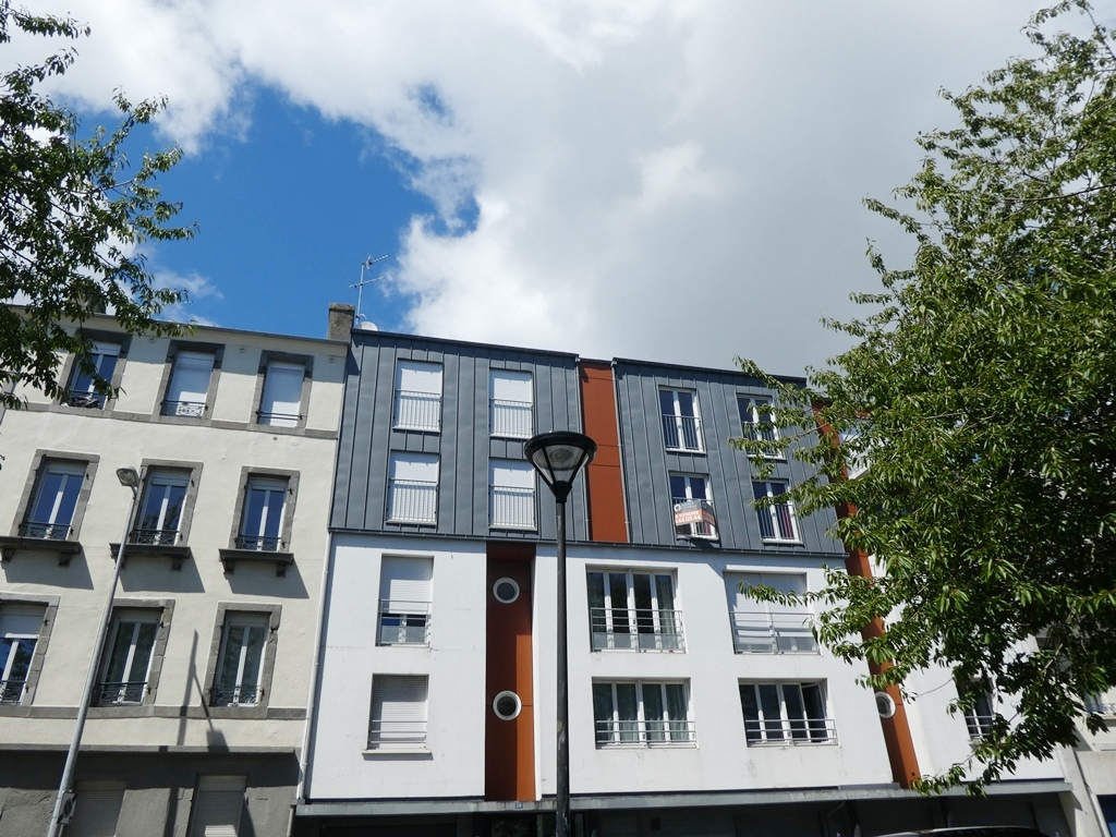 A VENDRE BREST PILIER ROUGE APPARTEMENT T2  45 m2   RESIDENCE DE 2007  EXPOSE SUD  ASCENSEUR  PARKING  LOCATAIRE EN  PLACE