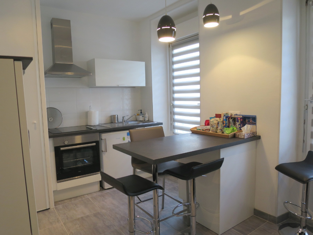 LOCATION BREST SAINT MARTIN APPARTEMENT T1 BIS 35 m² ENTIEREMETN RENOVE