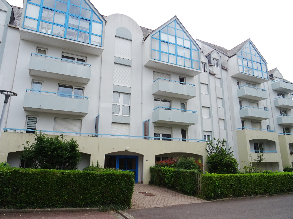 A VENDRE   BREST    CROIX ROUGE    APPARTEMENT T2   46m²    PARKING PRIVE     TERRASSE    JARDIN PRIVE