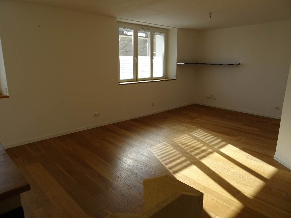 A VENDRE BREST QUATRE MOULINS APPARTEMENT T4 81.44 m2 2CHAMBRES  PARKING