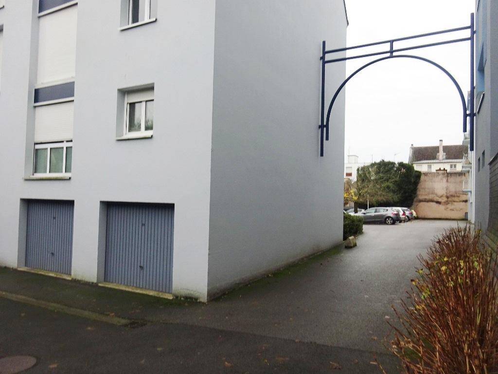 A VENDRE LORIENT MERVILLE GARAGE INDIVIDUEL de 17m² DANS RESIDENCE SECURISEE