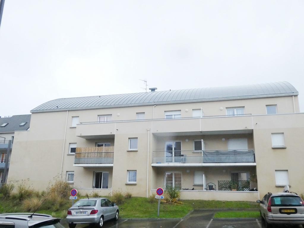 A VENDRE    BREST    CROIX ROUGE    ISEN    APPARTEMENT T2   45.15M²   1  CHAMBRE    DALLE  BETON     TERRASSE   LOCATAIRE EN PLACE