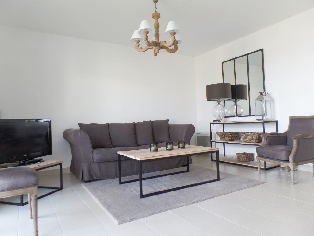FOR SALE PLOUGUERNEAU KOREJOU APARTMENT T3 FURNISHED OF 59.92 M² PRIVATE TERRACE AND GARDEN TENANT IN PLACE