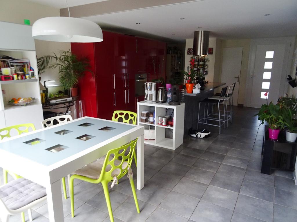 A VENDRE BREST SAINT PIERRE MAISON T6 120 m2 4 CHAMBRES  JARDIN CLOS GARAGE