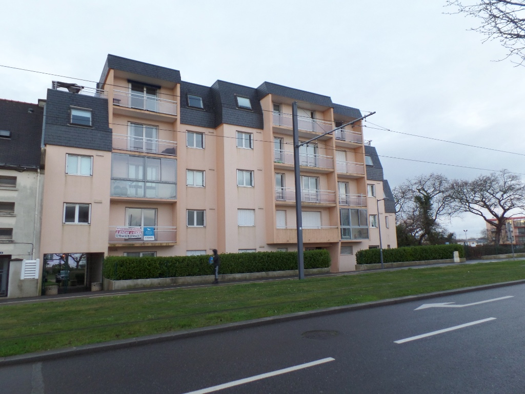 A LOUER BREST LANDAIS APPARTEMENT T3 82.98 m² ASCENSEUR TERRASSE PARKING