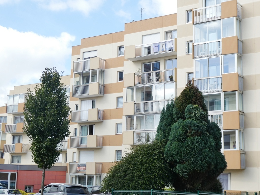 EXCLUSIVE BREST STRASBOURG APARTMENT T4 81M ² BALCONIES PRIVATE PARKING IN GUARD UNDERWEAR