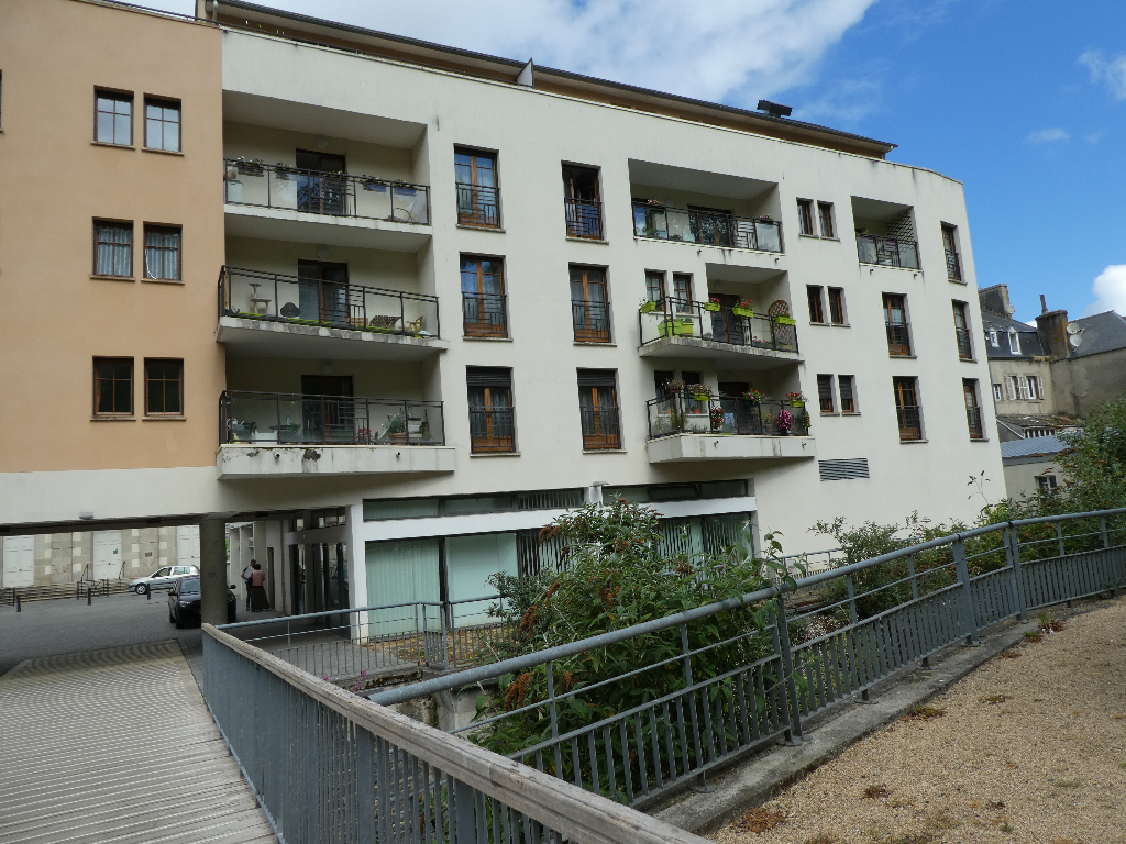MORLAIX : appartement Duplex F4,100 m², en location