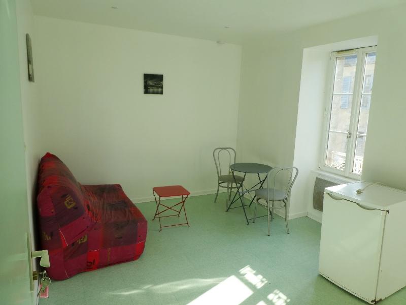 Location : appartement T1 bis  de 21.46 m², à SAINT POL DE LEON