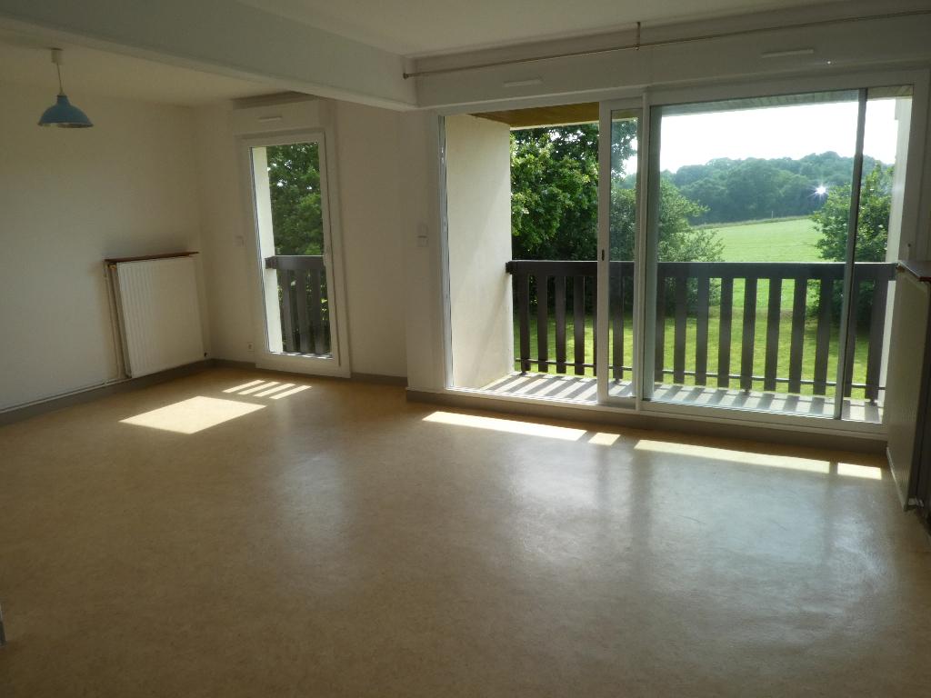 SAINT MARTIN DES CHAMPS : appartement F1 (32 m²) en location