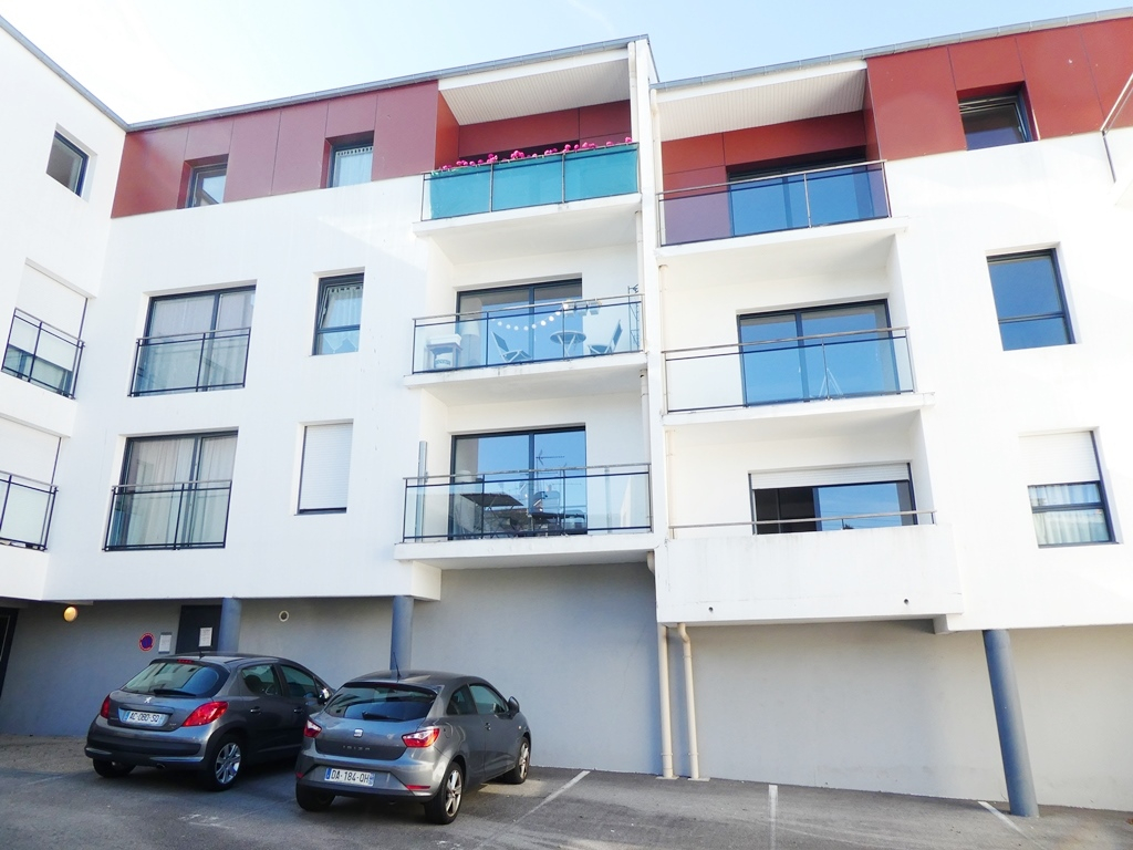 EXCLUSIVITE   BREST   SAINT MARC    APPARTEMENT T3   61.50M²    RESIDENCE RECENTE    ASCENSEUR   PLACE DE PARKING  EN SOUS SOL