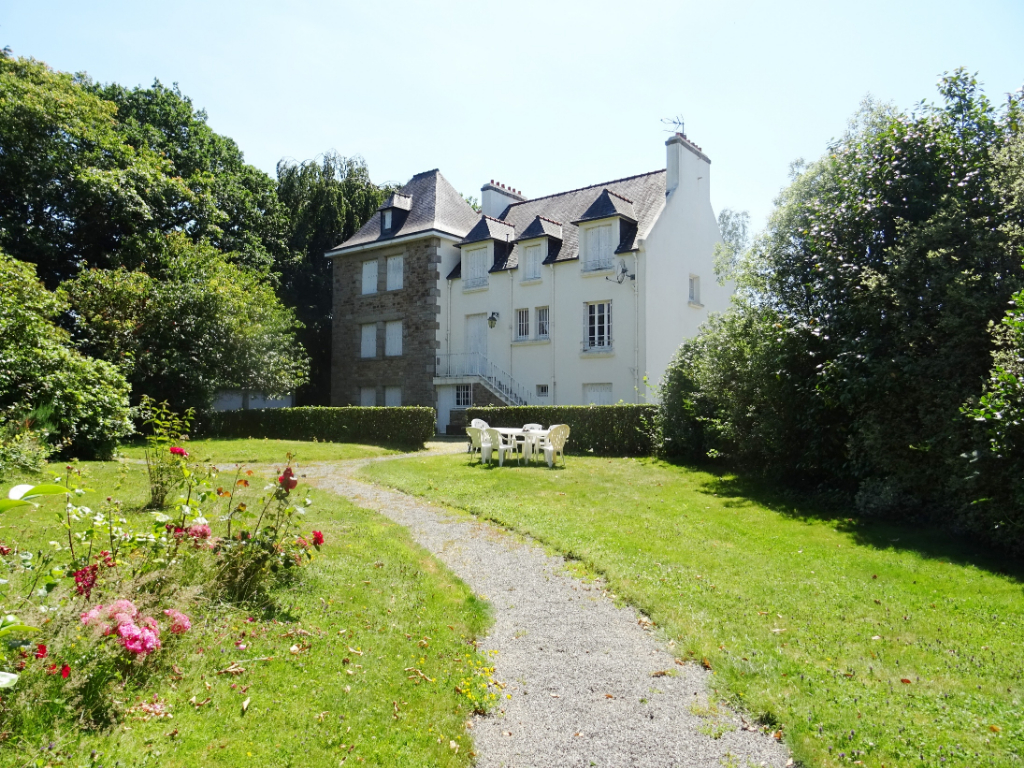FOR SALE PLABENNEC HOUSE 14 ROOMS 320M ² ON GROUND OF 4744 M²