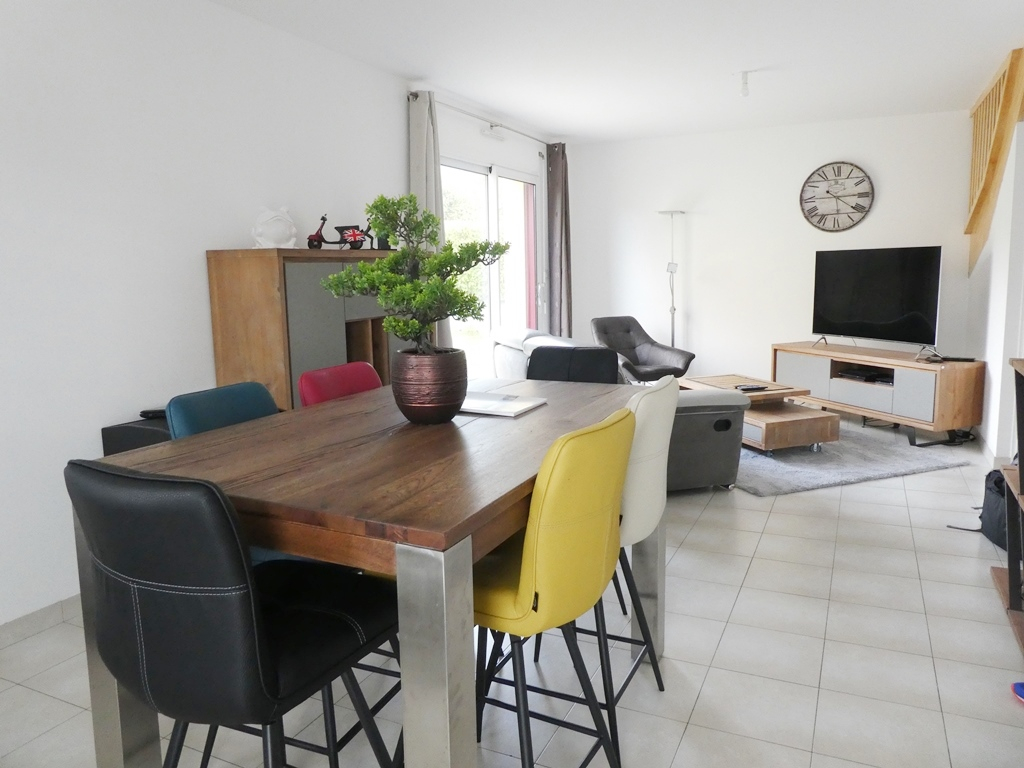 FOR SALE BREST CAVALE BLANCHE MESNOS HOME T6 88M ² HABITABLE 101M ² IN SOIL GROUND OF 525M ² TERRACE GARAGE
