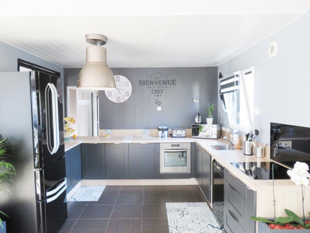 SAINT THEGONNEC : maison T6 pièces en vente
