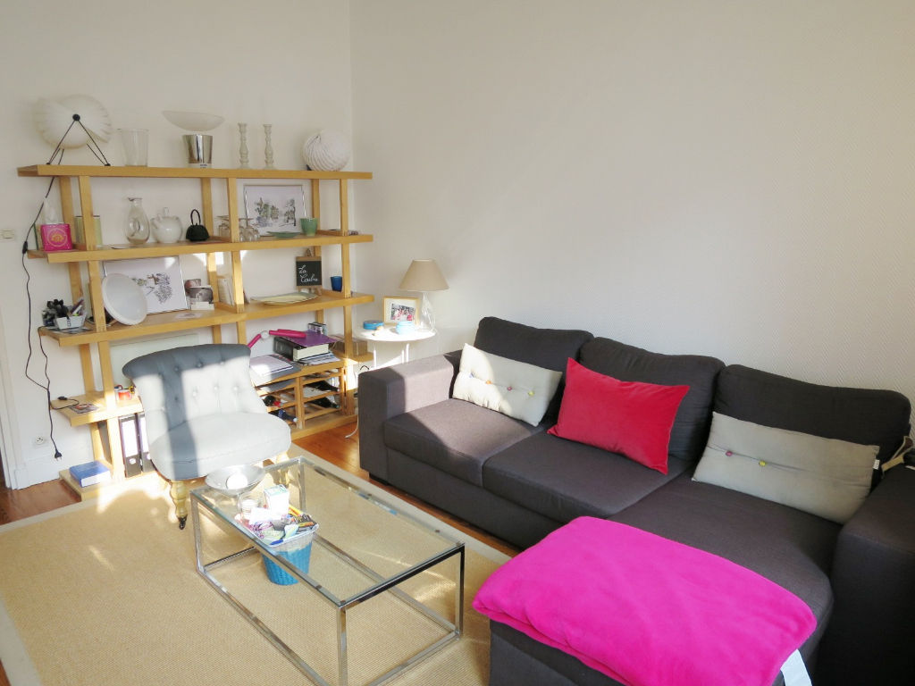 LOCATION BREST HYPER CENTRE APPARTEMENT T2 58 M² BEAUX VOLUMES