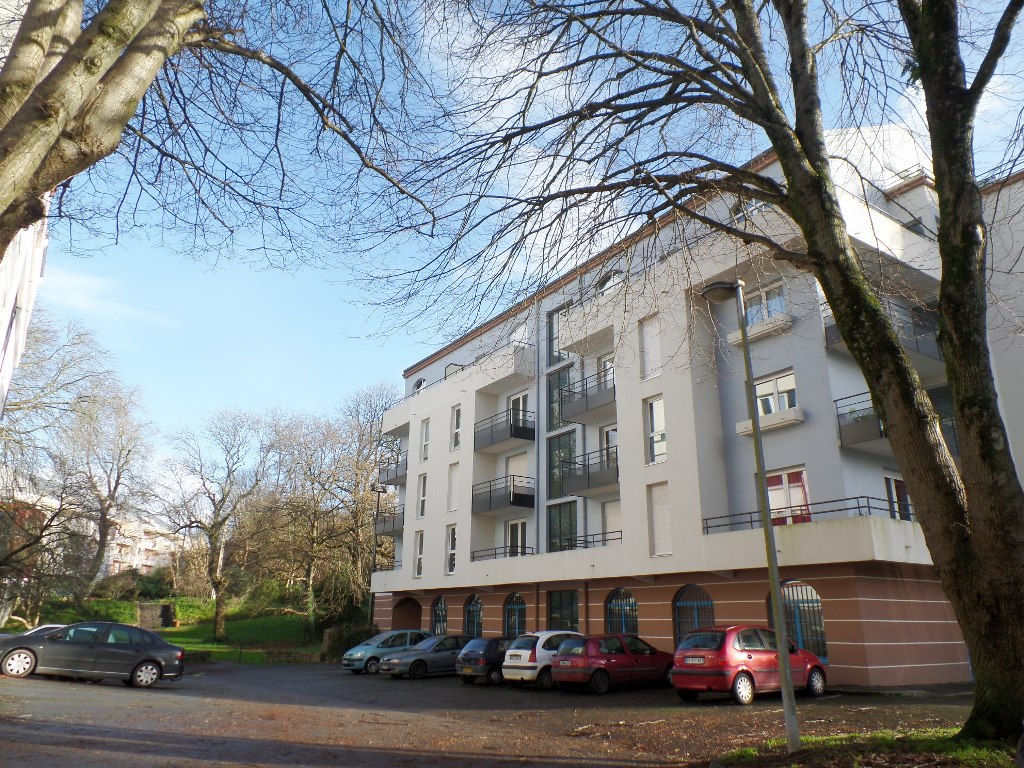 LOCATION BREST KERINOU APPARTEMENT T3 64.41m² 2 TERRASSES GARAGE EN SOUS SOL