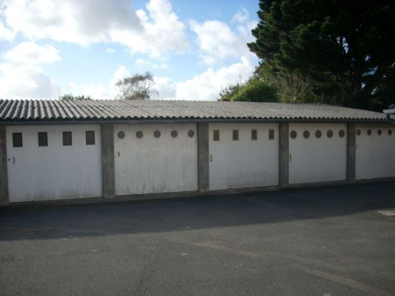 LOCATION BREST KERINOU GARAGE FERME SECURISE