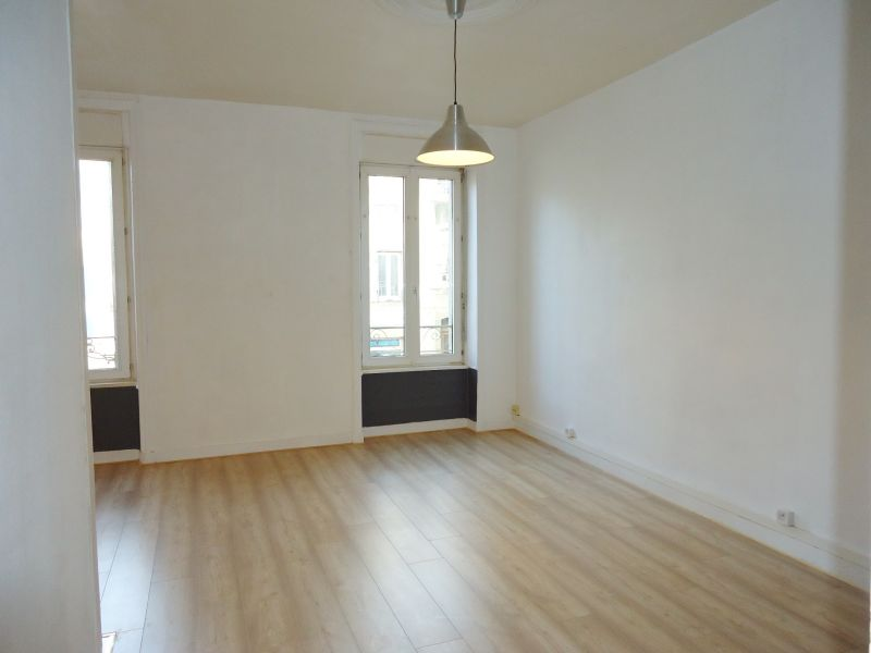 LOCATION BREST SAINT MICHEL APPARTEMENT T1 BIS 38.53 M² RENOVE PROXIMITE RUE JEAN JAURES