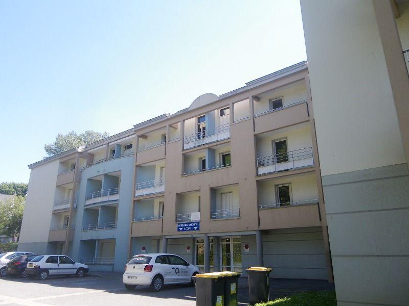 VENDU- BREST - CROIX ROUGE/KERINOU - STUDIO - 18m² - VENDU LOUE