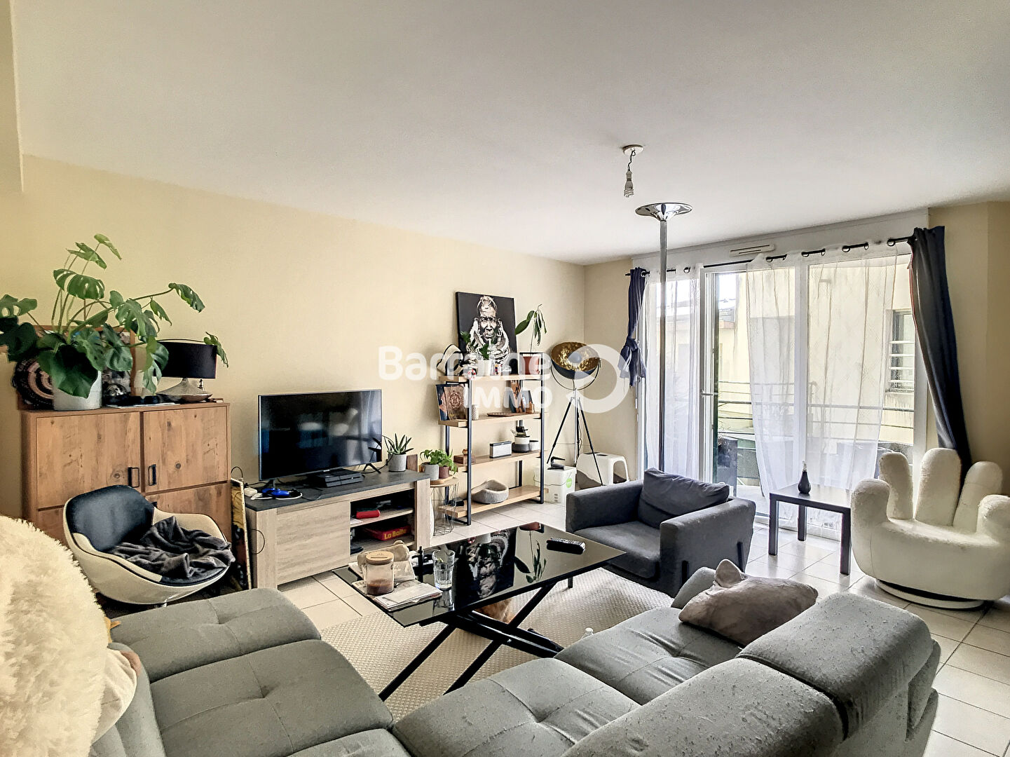 LOCATION  BREST  SAINT MARC  APPARTEMENT T2  56 M²  BEAUX VOLUMES  PROXIMITE BOURG