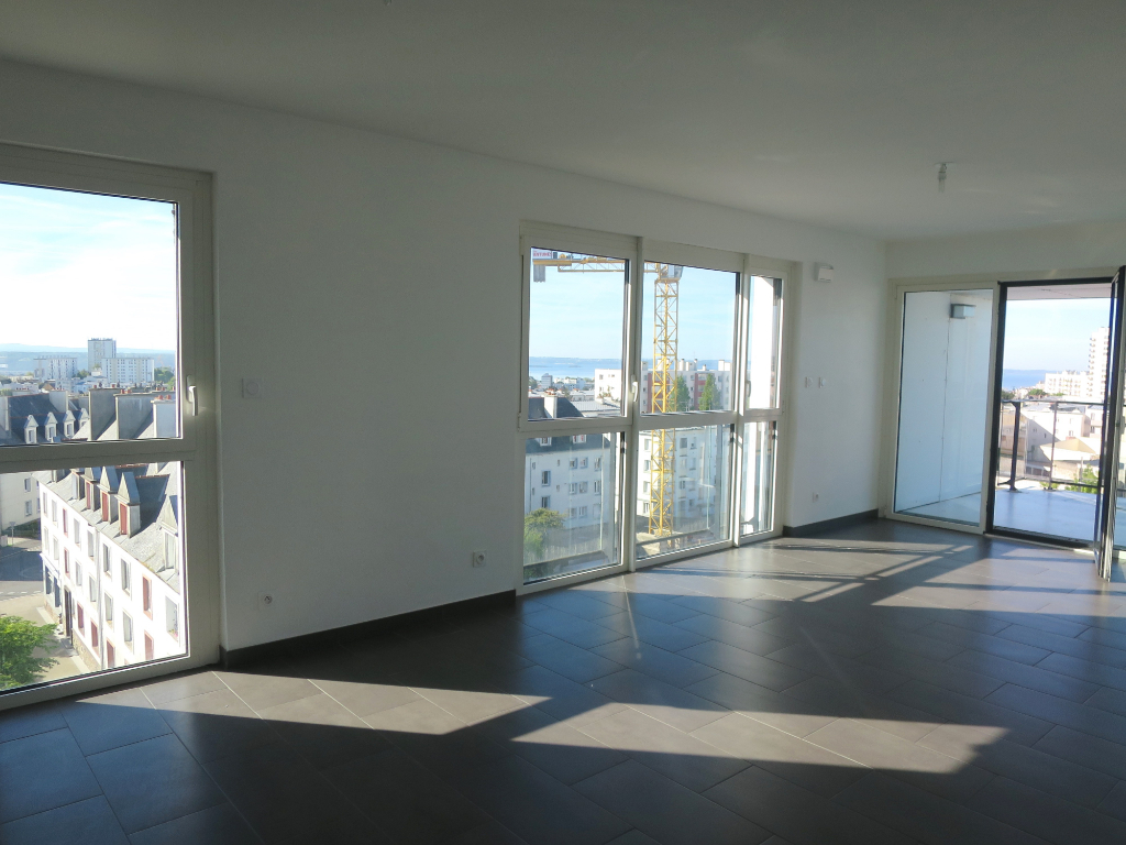 A LOUER BREST PLACE DE STRASBOURG APPARTEMENT T4 80.36 m² RESIDENCE BBC ASCENSEUR BALCON PARKING