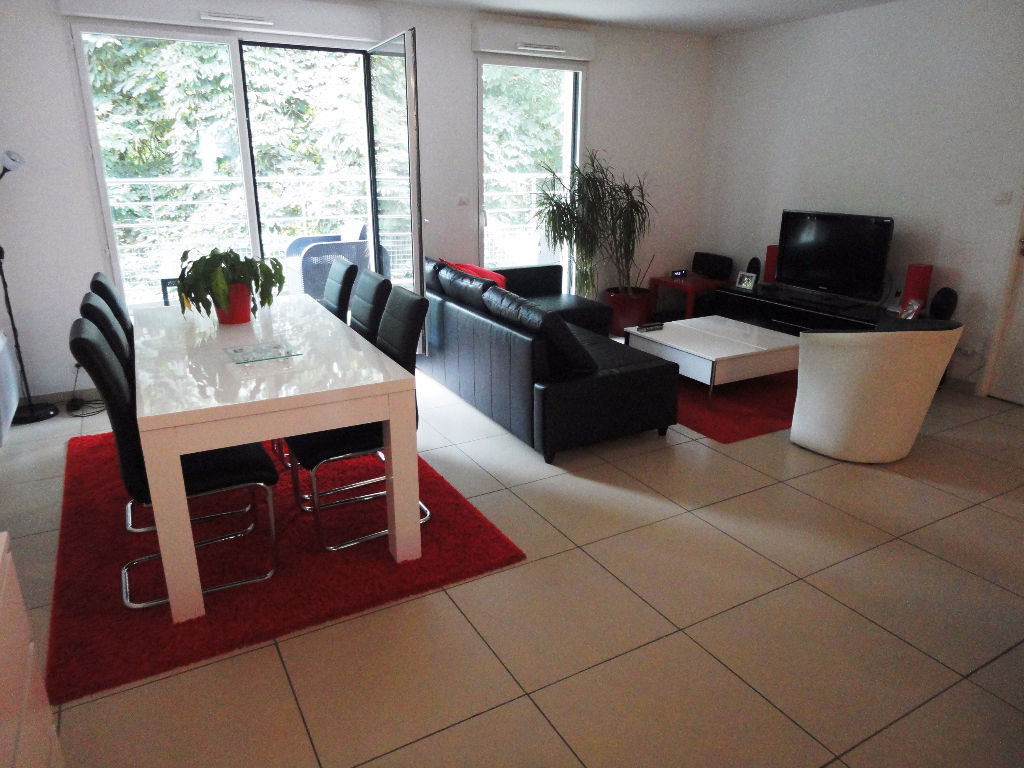 LOCATION  BREST KERINOU  APPARTEMENT T5   99,40 m2  ASCENSEUR  PARKING