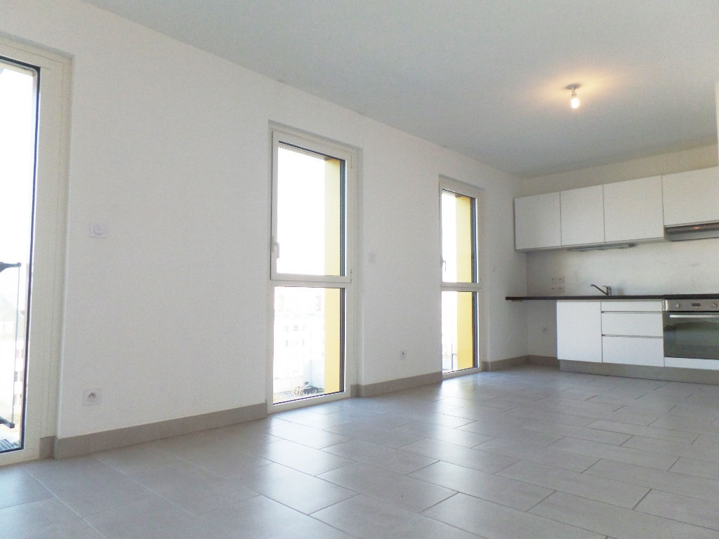 LOCATION BREST PLACE DE STRASBOURG APPARTEMENT T3  64.76m² RESIDENCE BBC