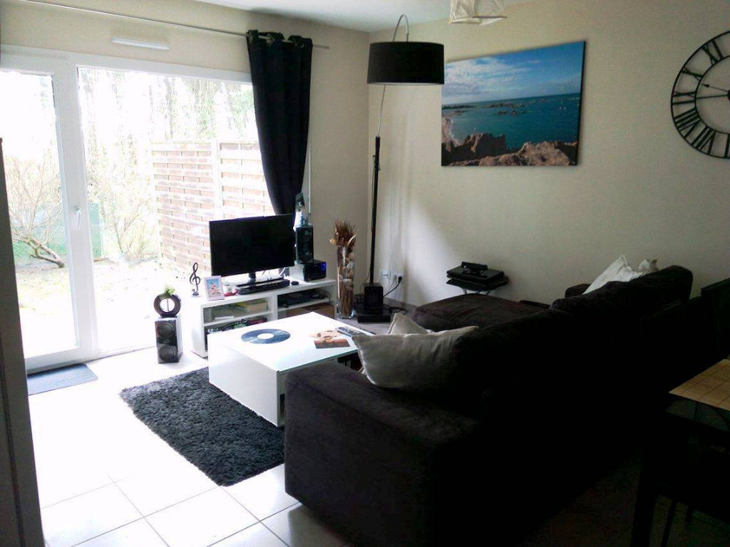 LOCATION  BREST LAMBEZELLEC  APPARTEMENT T2 49,30 M²  RESIDENCE RECENTE   JARDIN  GARAGE