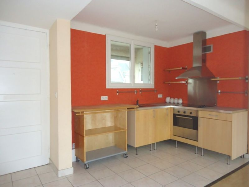 LOCATION  BREST  PRAT LEDAN  APPARTEMENT T3  50.45 M²  GARAGE