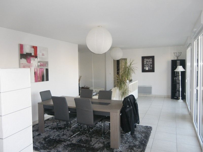 LOCATION   BREST  CENTRE SIAM APPARTEMENT T4  96.46 m² - TERRASSE ASCENSEUR PARKING IMMEUBLE 2012