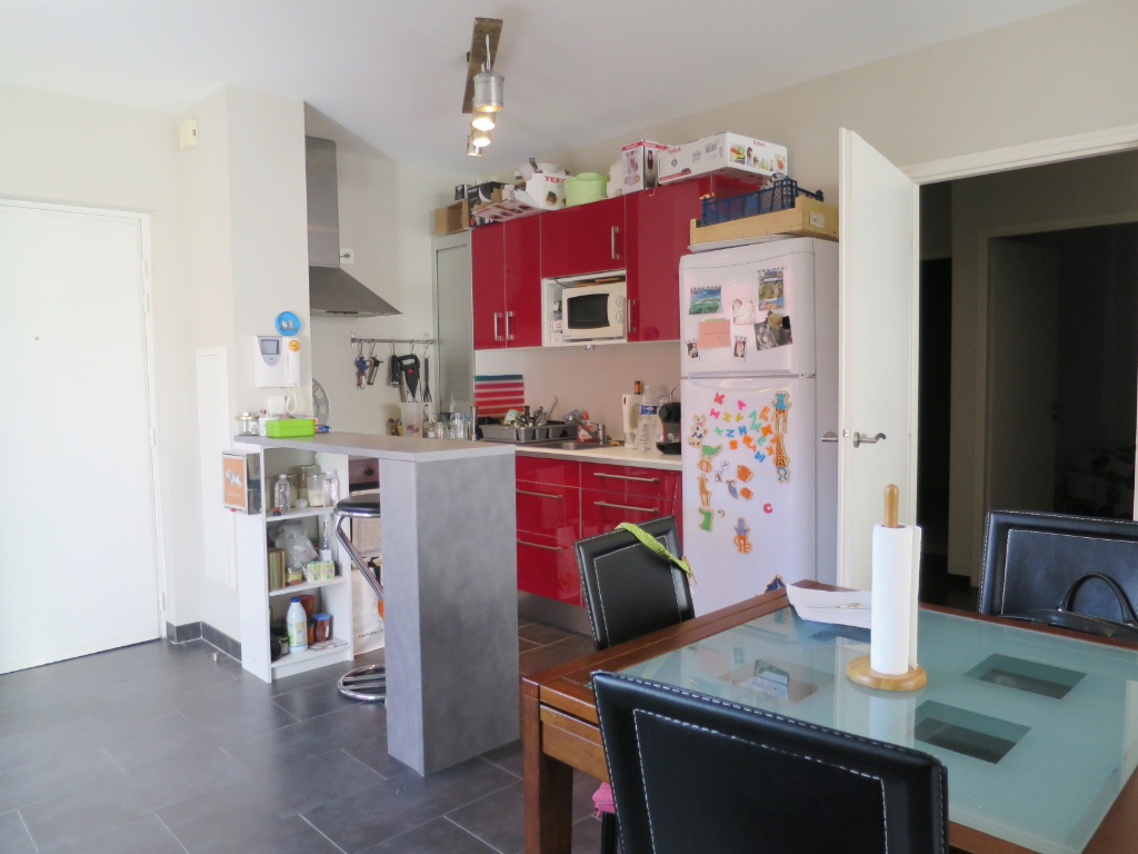 LOCATION - BREST - KERINOU - APPARTEMENT T3 - 65 M² - RESIDENCE DE GRAND STANDING - ASCENSEUR - PLACE DE PARKING - TERRASSE DE 13 M²
