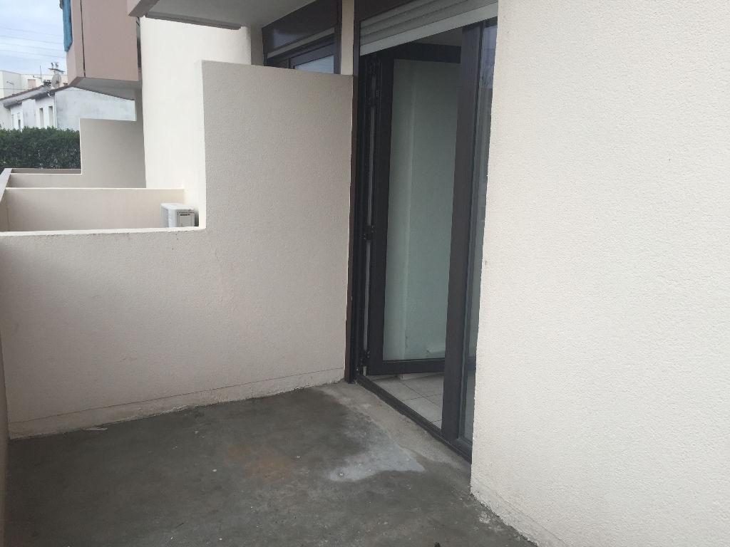 Appartement + terrasse au 1er étage avec ascenseur