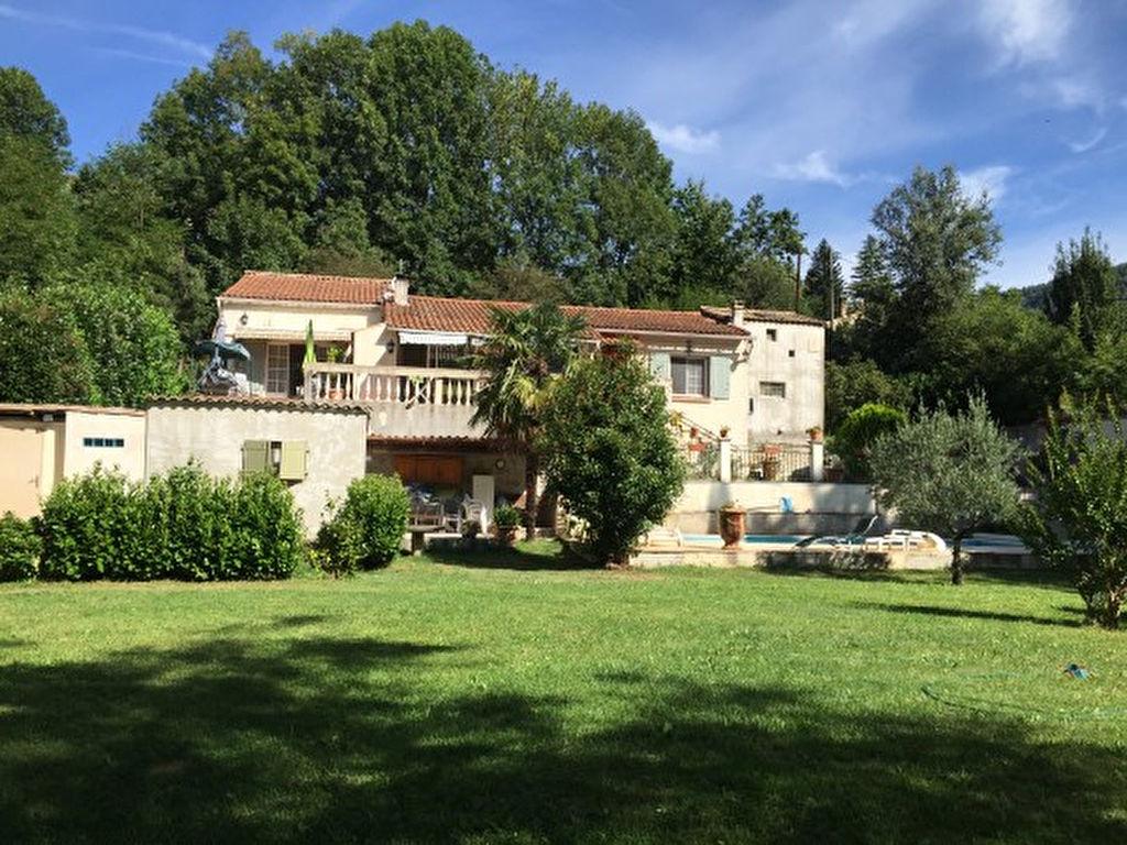 grande villa au calme- 190 m²