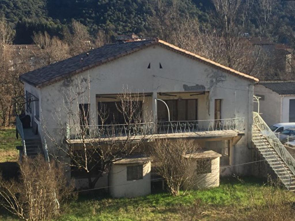 Maison avec grand atelier
