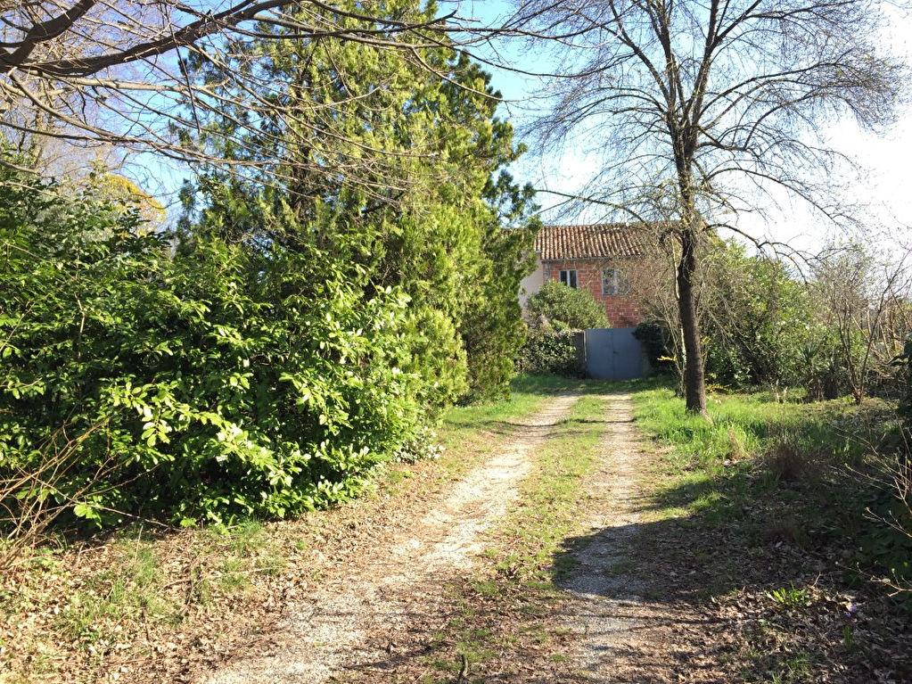 Maison St Julien Les Rosiers à rénover sur 1260 m² de terrain