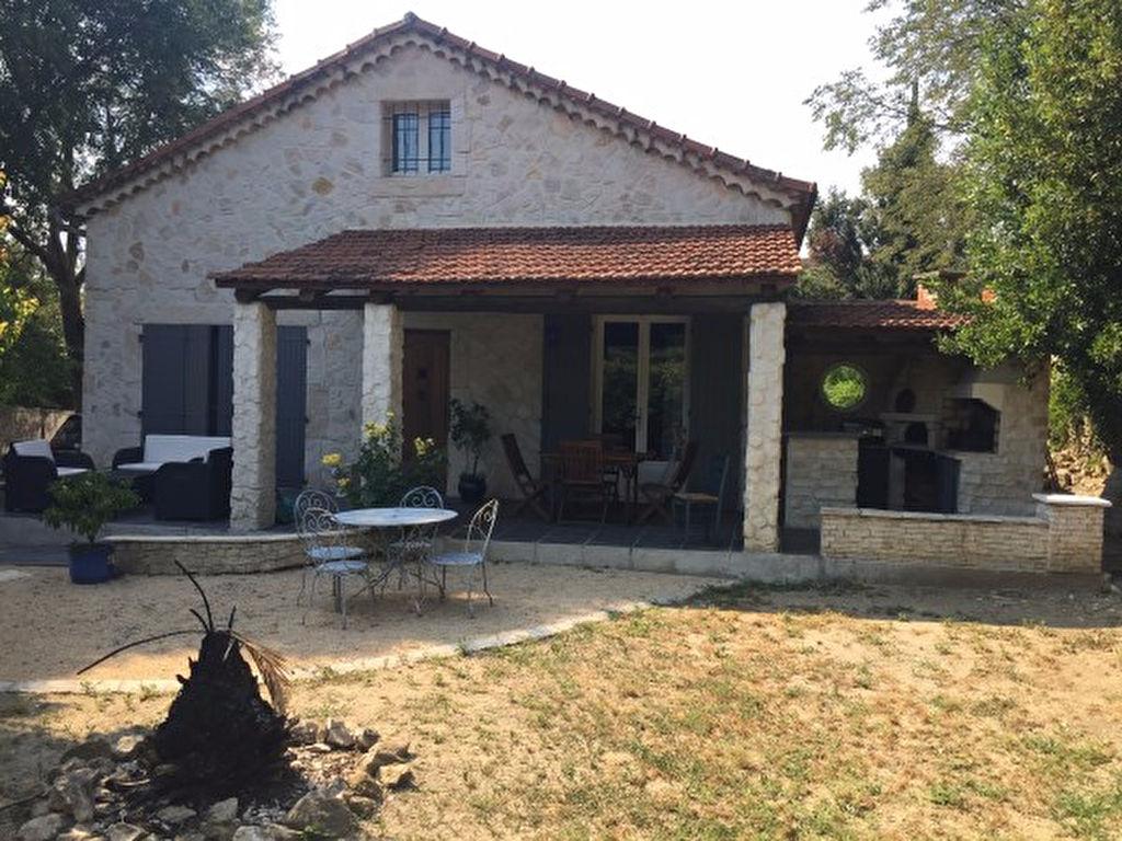 Maison entièrement restaurée