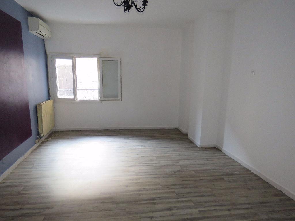 Appartement refait à neuf centre ville Saint-Ambroix