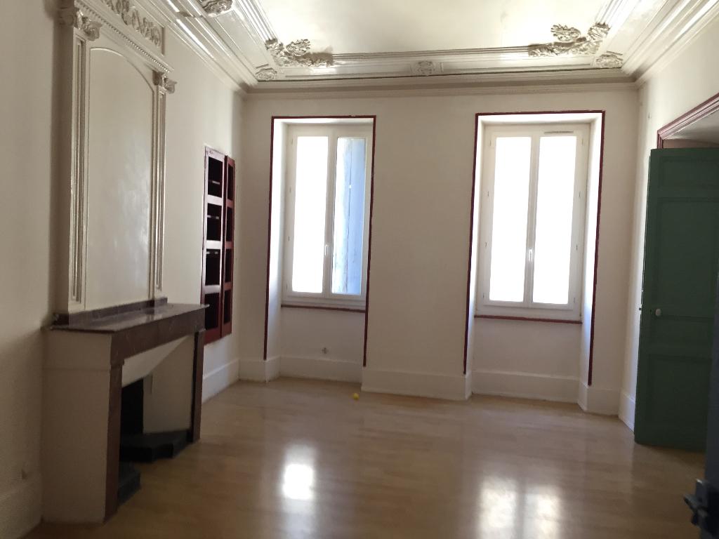Appartement rez de chaussée avec terrasse