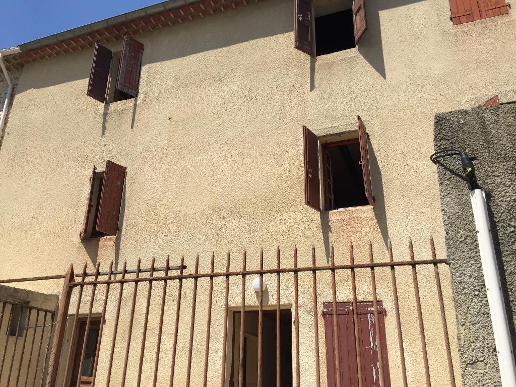Maison avec terrasse et terrain non attenant