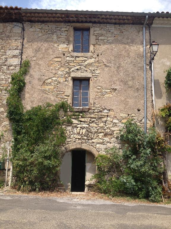 Maison à Courry rénovée avec gout