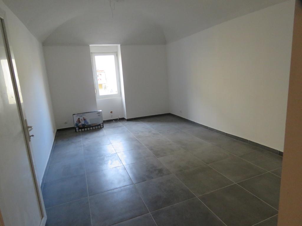 Appartement T2 refait à neuf