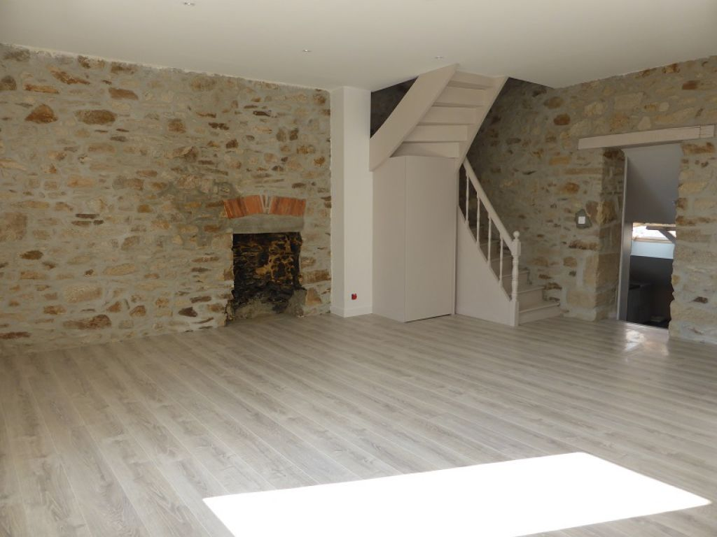 Appartement duplex T3 à St Etienne de Montluc