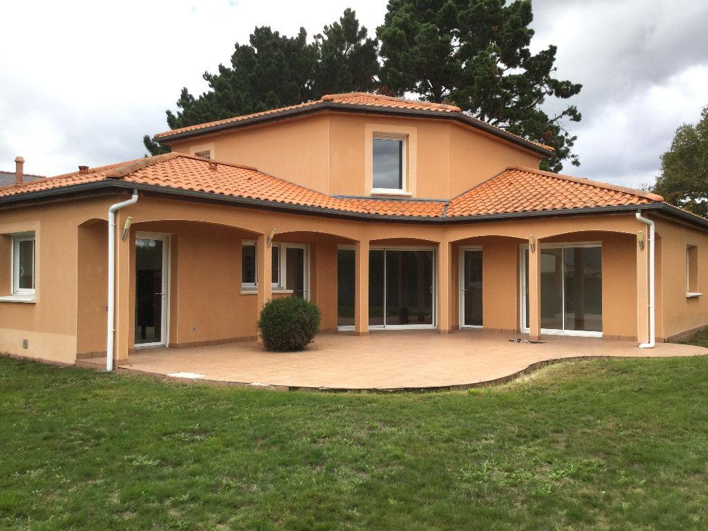 Maison récente à Couëron