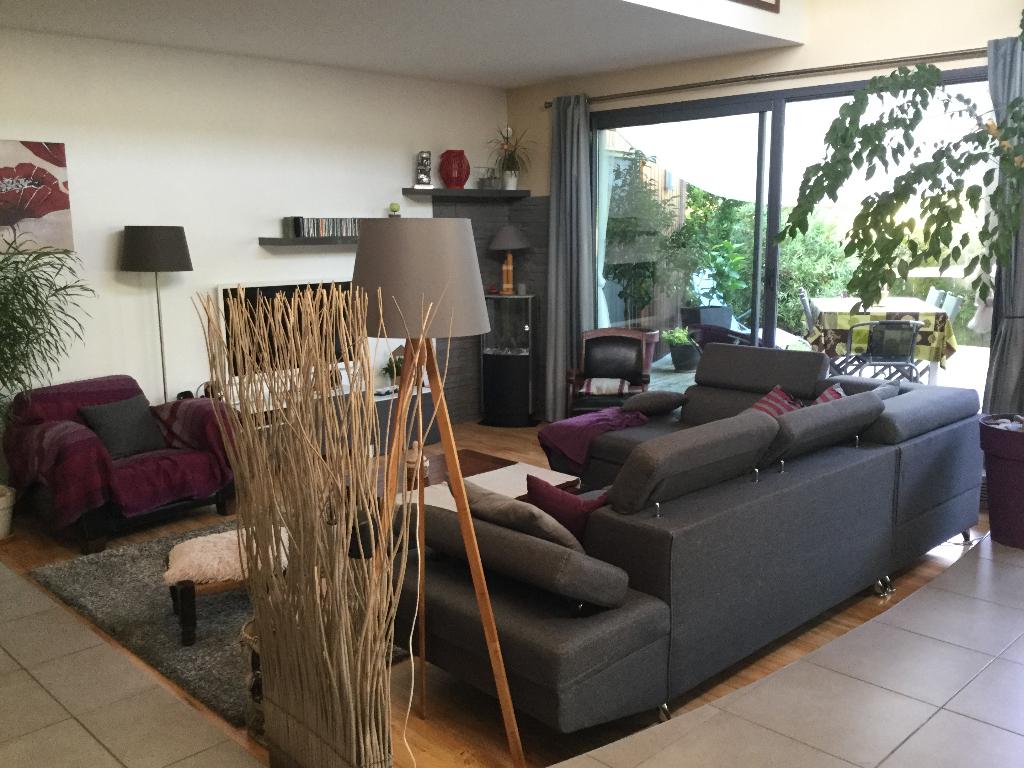 Maison  récente à Saint Sebastien Sur Loire